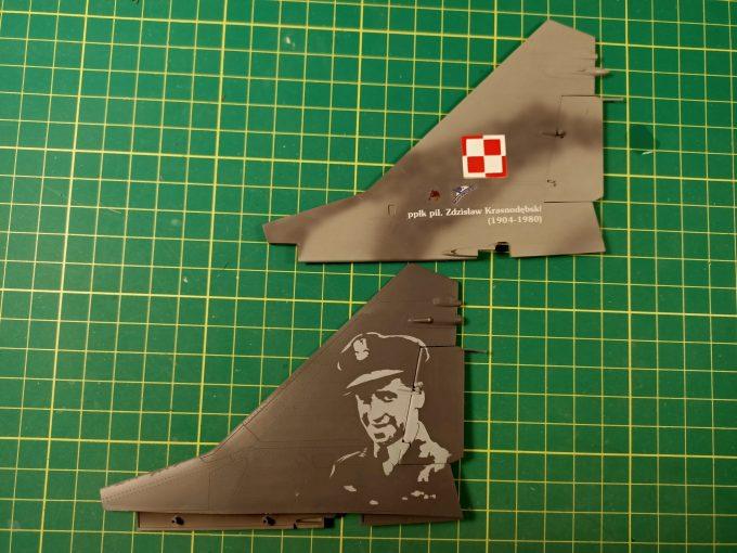 MiG-29UB – malowanie detali